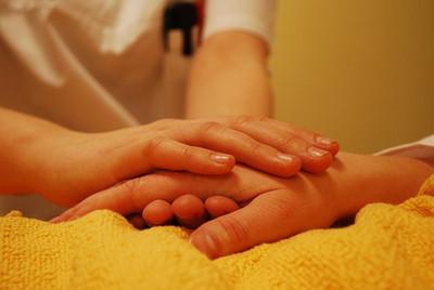 Hands736244__340